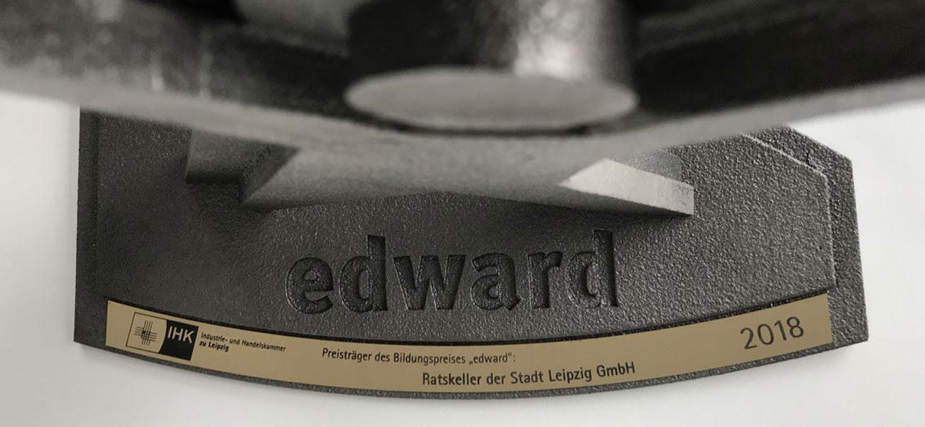 edward IHK-Bildungspreis der Leipziger Wirtschaftsregion gusseiserne Statue und Plaketten der Preisträger